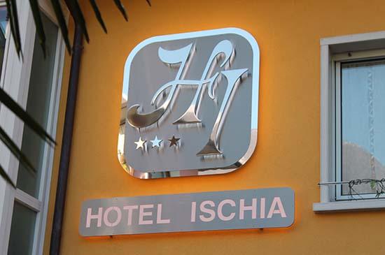 insegne-per-hotel-verona